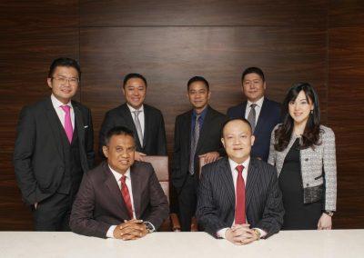 Foto bersama Direksi dan Dewan Komisaris