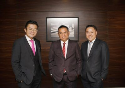 Foto bersama Direksi dan Dewan Komisaris 6